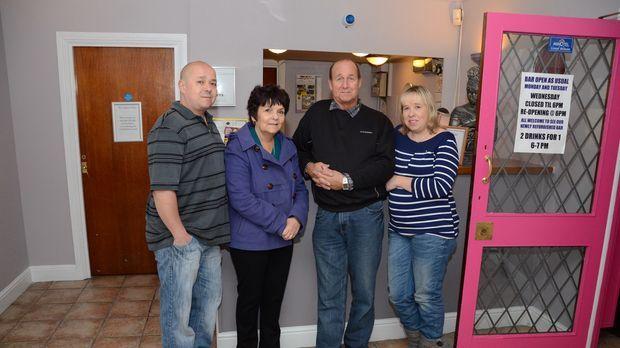 Familie Dolbear in Essex hat all ihr Erspartes in ihren Lebenstraum, das