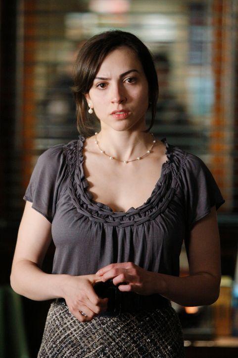Hat die hübsche Rachel Goldstein (Eden Riegel) etwas mit dem Mord an dem Finanzgenie Daniel zu tun? - Bildquelle: 2010 American Broadcasting Companies, Inc. All rights reserved.