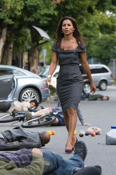 Beverly hat mittlerweile die Kontrolle über Allison (Salli Richardson-Whitfield) gewonnen ... - Bildquelle: Universal Television