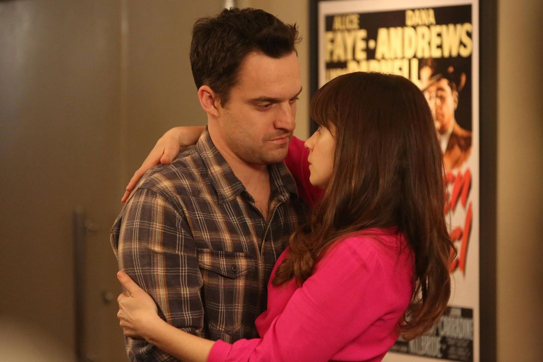 Eine Riesen-Überraschungs-Geburtstagsparty soll Jess (Zooey Deschanel, r.) zeigen, wie sehr Nick (Jake M. Johnson, l.) sie liebt. Doch ob die Überra... - Bildquelle: 2014 Twentieth Century Fox Film Corporation. All rights reserved.