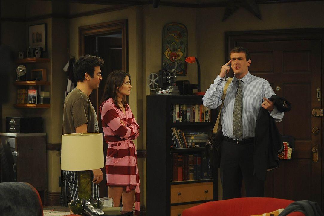 """Da Robin (Cobie Smulders, M.) und Ted (Josh Radnor, l.) seit sie zusammen leben, ständig streiten, beschließen sie """"Freunde mit Extras"""" zu werden... - Bildquelle: 20th Century Fox International Television"""