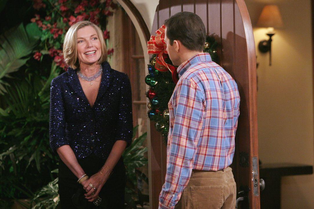 Alan (Jon Cryer, r.) ist total überrascht, als plötzlich auch noch Dorothy (Susan Sullivan, l.) vor der Tür steht ... - Bildquelle: Warner Brothers Entertainment Inc.