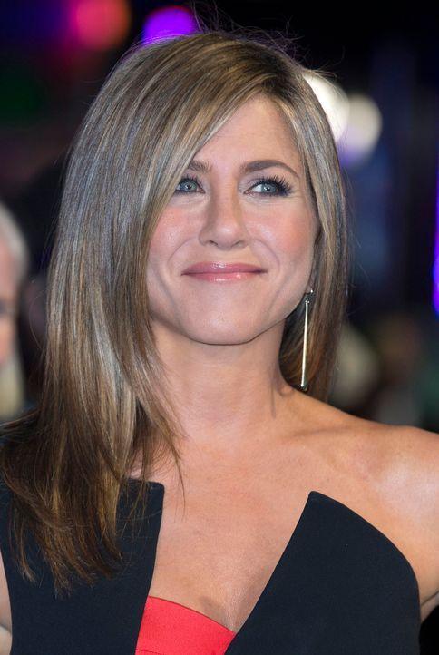 Jennifer-Aniston-Kino-Cake-14-11-12-dpa - Bildquelle: dpa