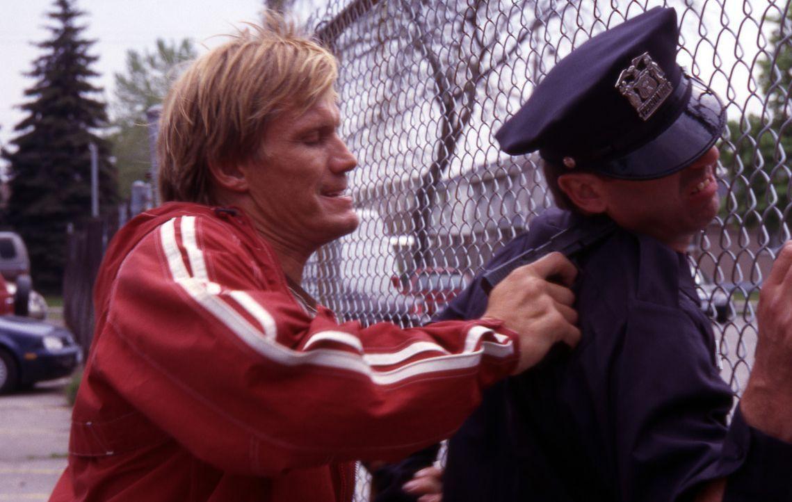 Als Mordfahnder bei der Direct Action Unit von Los Angeles kennt Officer Frank Gannon (Dolph Lundgren, l.) nicht nur alle Tricks der bösen Buben, s... - Bildquelle: Nu-Image Films