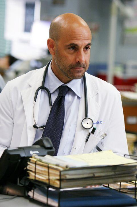 Täglich versucht Dr. Kevin Moretti (Stanley Tucci), Leben zu retten ... - Bildquelle: Warner Bros. Television