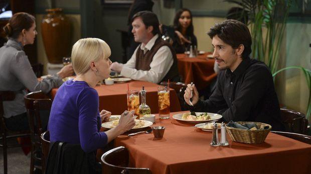 Adam (Justin Long, r.) und Christy (Anna Faris, l.) tauschen bei ihrem Date K...