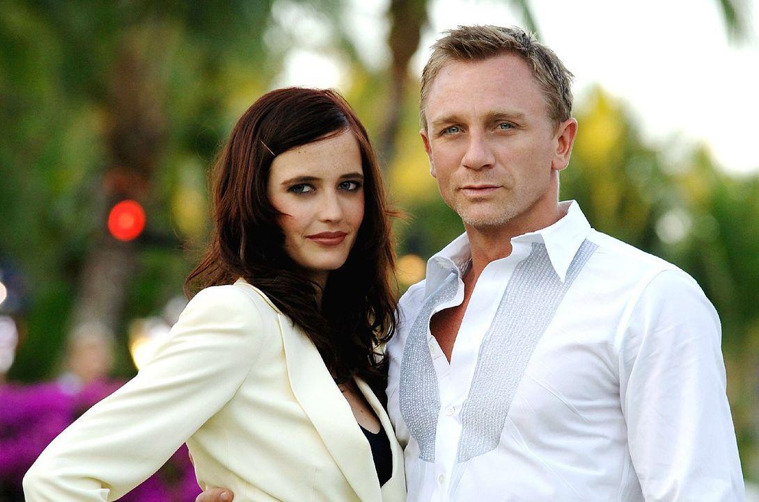 Eva-Green-Daniel-Craig-James-Bond-Casino-Royale-2006-WENN-com - Bildquelle: WENN.com