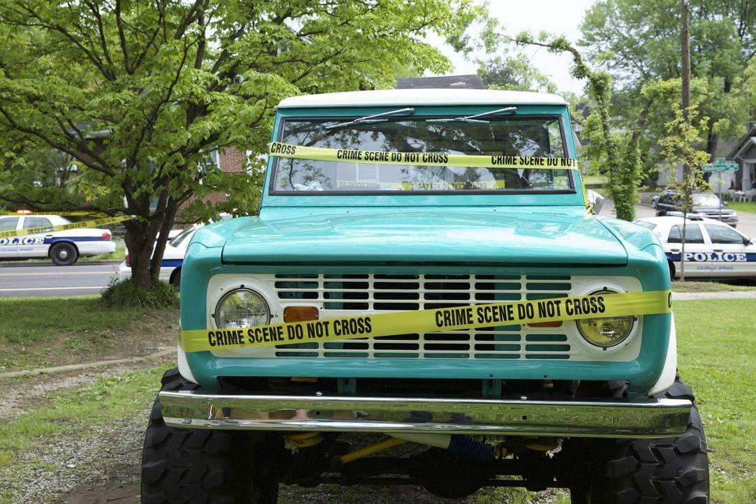Kann der türkisfarbende Pick-Up-Truck den Ermittlern um Lieutenant Joe Kenda den entscheidenden Hinweis geben, wer die 37-jährige Mary Moebus kaltbl... - Bildquelle: MMXV DISCOVERY COMMUNICATIONS, LLC.