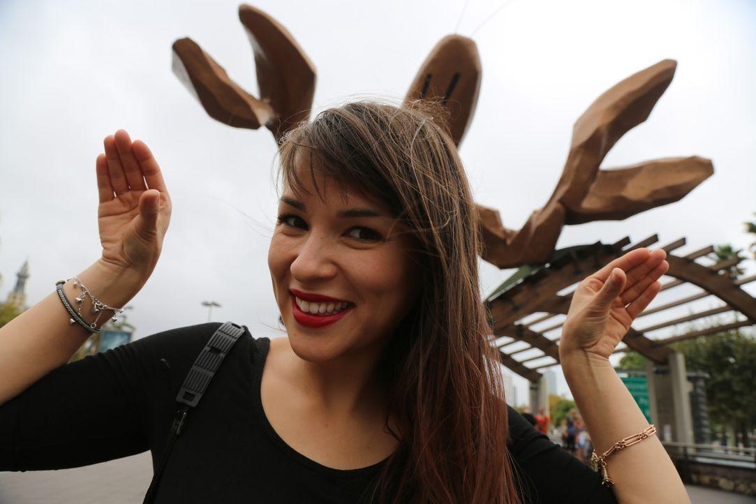 Ein bisschen Spaß muss sein: Rachel genießt ihre Zeit in Barcelona ... - Bildquelle: Richard Hall BBC 2014