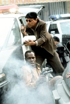 Predator 2 - Immer im Einsatz: Die L. A.-Cops Harrigan (Danny Glover, l.) und...