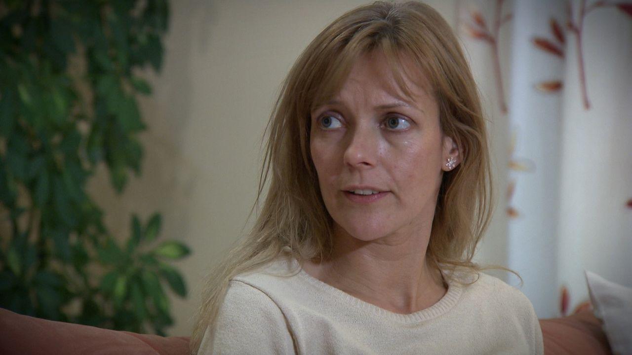 Die 34-jährige Bäckereiverkäuferin Ella Rieger weiß nicht mehr weiter. Ihre 15-jährige Tochter Mia ist schwanger! Einen schlechteren Zeitpunkt... - Bildquelle: SAT.1