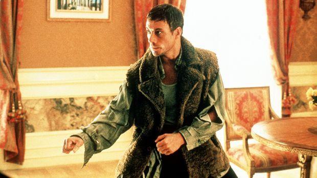 Kaum hat Anti-Terror-Spezialist Jack (Jean-Claude Van Damme) in seinem Hotel...