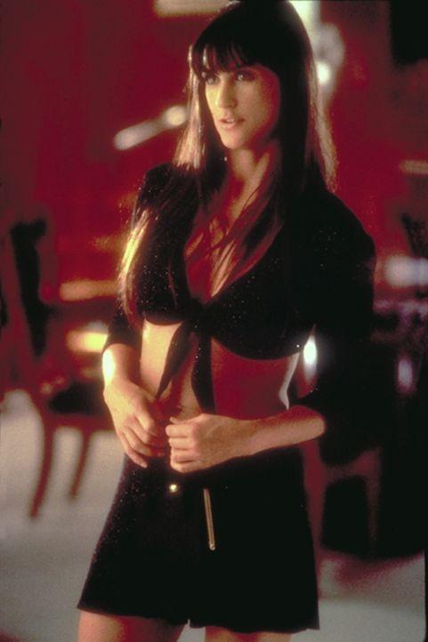 """Erin (Demi Moore) strippt im Nachtclub """"Eager Beaver"""", um das nötige Geld für den Prozess gegen ihren Ex-Mann aufzutreiben."""