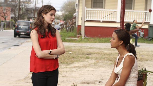 Bei ihrer Suche nach der Wahrheit trifft Jamie (Anna Wood, l.) auch auf Brend...