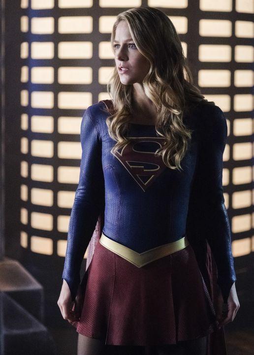 Kara alias Supergirl (Melissa Benoist) schließt sich mit Imra zusammen, um Reign endlich die Stirn bieten zu können ... - Bildquelle: 2017 Warner Bros.