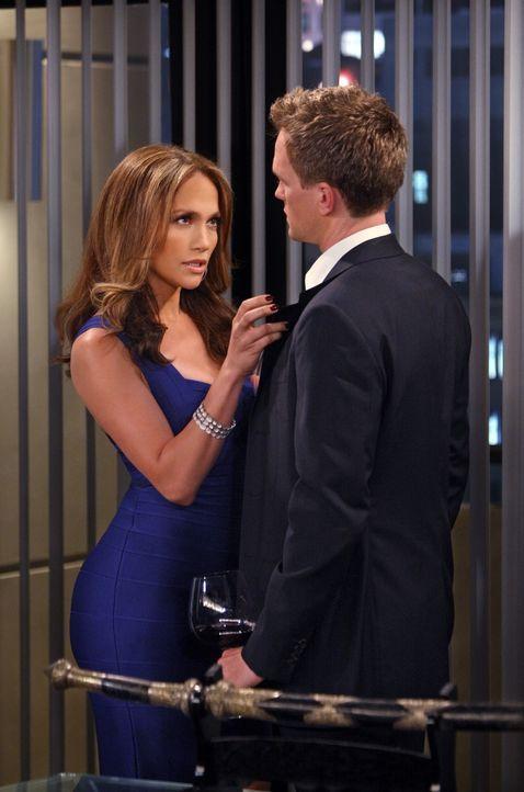 Anita (Jennifer Lopez, l.) hat Barney (Neil Patrick Harris, r.) den Kopf verdreht und er versucht alles, sie ins bett zu bekommen - doch es gelingt... - Bildquelle: 20th Century Fox International Television