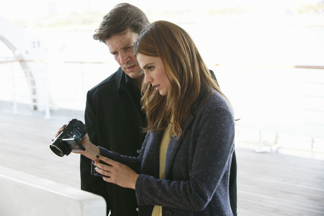 Ob ein Fall auf einem Kreuzfahrtschiff dazu beitragen kann, Castle (Nathan Fillion, l.) und Beckett (Stana Katic, r.) wieder zusammenzubringen? - Bildquelle: Mitchell Haaseth 2015 American Broadcasting Companies, Inc. All rights reserved.