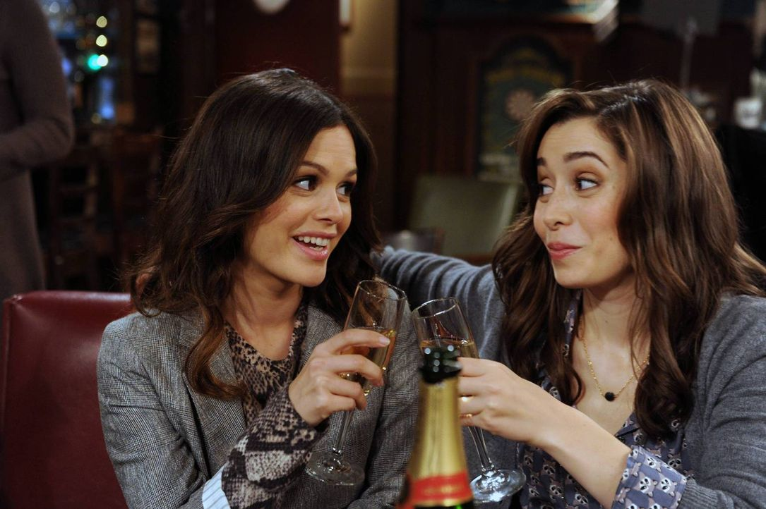 Rückblende in vergangene Zeiten: Tracy (Cristin Milioti, r.) und Cindy (Rachel Bilson, l.) ... - Bildquelle: 2014 Twentieth Century Fox Film Corporation. All rights reserved.