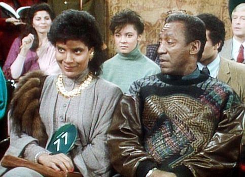 Bill Cosby Show - Clair (Phylicia Rashad, l.) und Cliff (Bill Cosby, r.) wart...