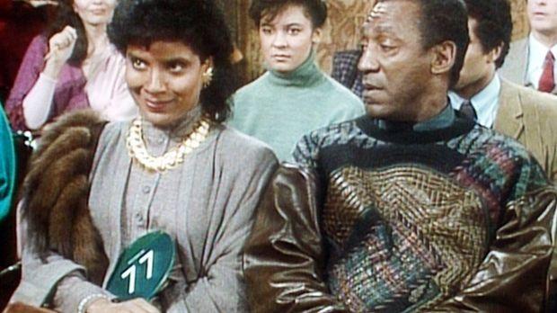 Clair (Phylicia Rashad, l.) und Cliff (Bill Cosby, r.) warten gespannt darauf...