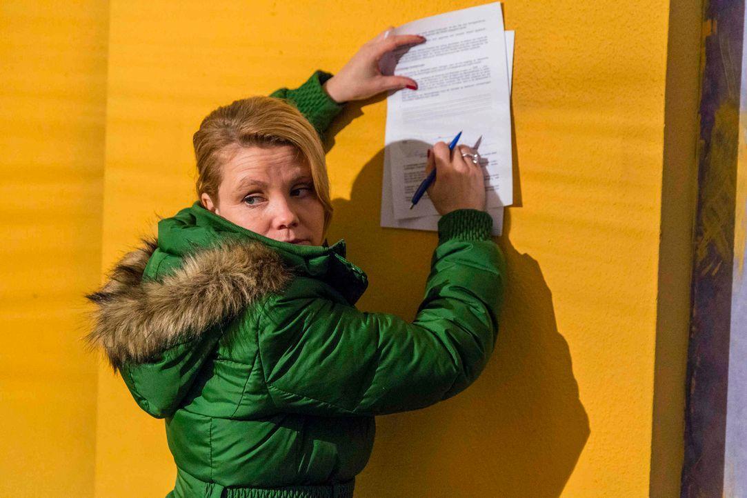 Auf Danni (Annette Frier) wartet eine harte Zeit ... - Bildquelle: Frank Dicks SAT.1