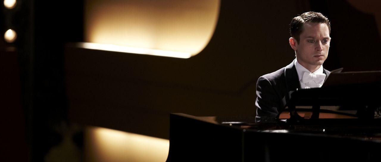 Tom Selznick (Elijah Wood) muss als Pianist das beste Konzert seines Lebens spielen, denn sonst ist nicht nur sein Leben, sondern auch das seiner Fr... - Bildquelle: Wild Bunch