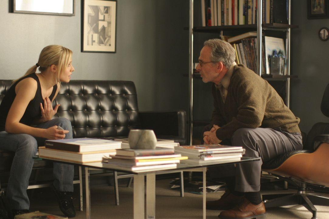 Auch ein Besuch bei Psychiater Dr. Waterson (Ron Rifkin, r.) hilft Mattie (Kristen Bell, l.) nur wenig, um mit Joshs Selstmord fertig zu werden. Da... - Bildquelle: The Weinstein Company