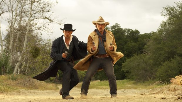 Ende des 19. Jahrhunderts sind Butch Cassidy (David Clayton Rogers, l.) und S...