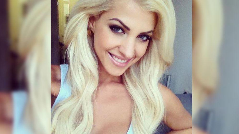 Sarah Playmate Bachelor