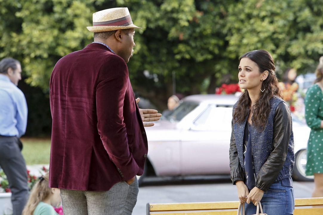 Staffel 3, Folge 11 - Zoe und Lavon - Bildquelle: Warner Bros. Entertainment Inc.