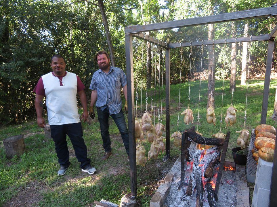 Roger Mooking (l.); Andrew Wiseheart (r.) - Bildquelle: 2017, Television Food Network, G.P. All Rights Reserved.