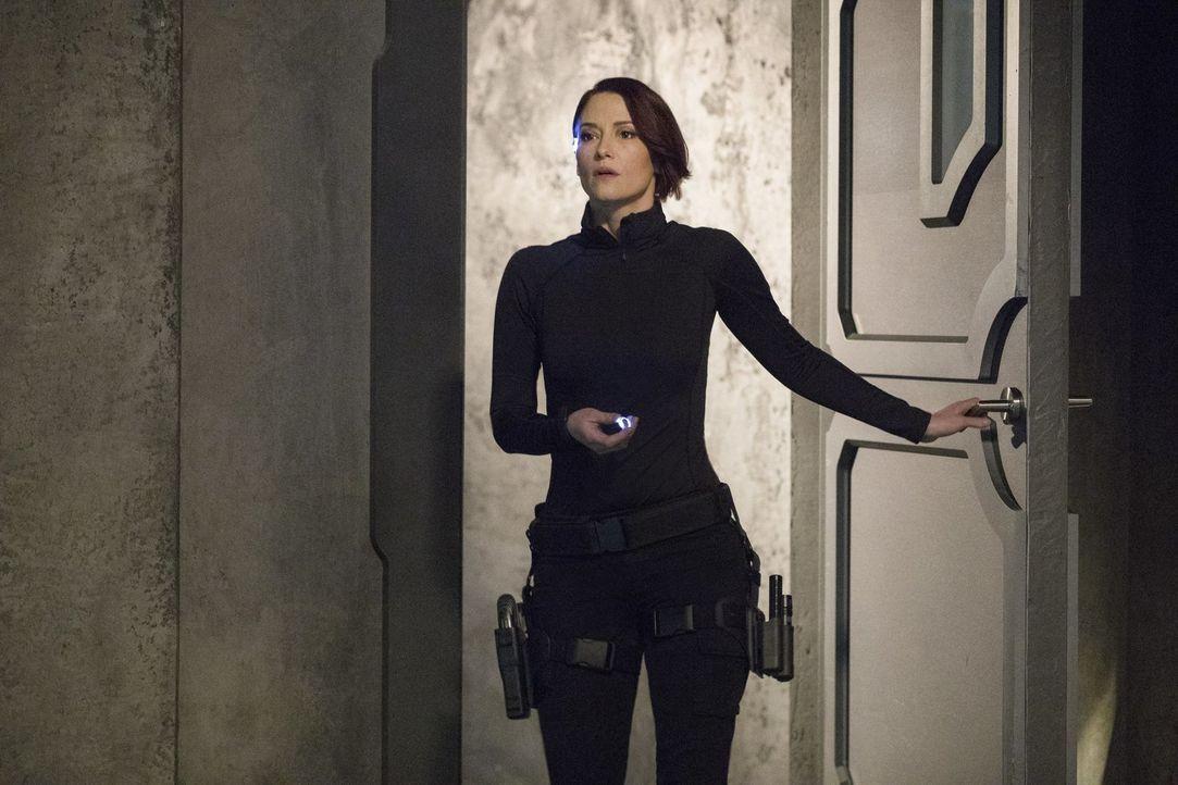 In der DEO warten einige Probleme auf Alex (Chyler Leigh). Unterdessen macht Lena ihrer Freundin Sam klar, was mit ihr geschehen ist ... - Bildquelle: 2017 Warner Bros.