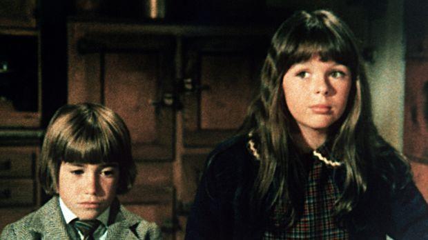 Die Kinder Tess (Sally Boyden, r.) ud Pip (Jeff Cotler, l.) sind aus London n...