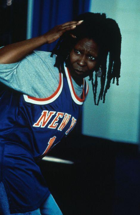 Seit dem Tod ihres Mannes interessiert sich Eddie (Whoopie Goldberg) nur noch für ihre Lieblings-Basketball-Mannschaft. Als Sie eines Tages bei ein... - Bildquelle: Myles Aronowitz Buena Vista Pictures