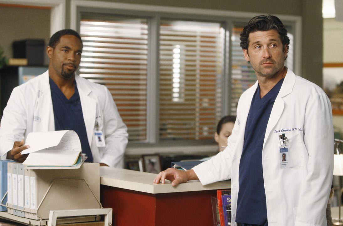 Während Ben (Jason George, l.) zurückkehrt um festzustellen, dass Bailey mit Eli zusammen ist, wirft Derek (Patrick Dempsey, r.) Alex aus der Neur... - Bildquelle: ABC Studios