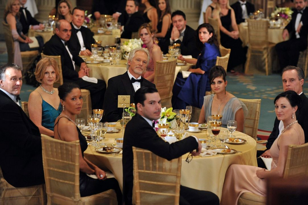 Wird zum Mann des Jahres ausgezeichnet: William White (James Morrison, M.) ... - Bildquelle: ABC Studios