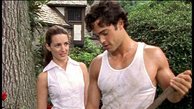 Charlotte (Kristin Davis, l.) bandelt mit dem knackigen jungen Gärtner an. ©...