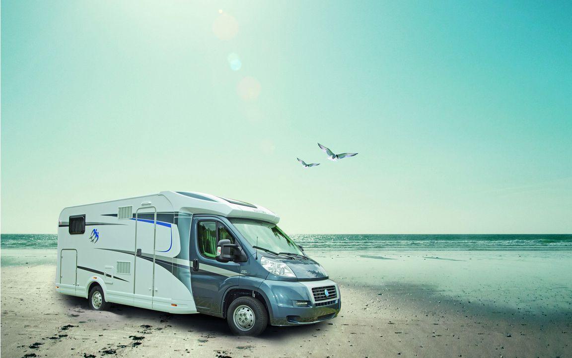 Jan Stecker unterwegs auf Camping-Tour! Eben erst auf dem Caravan Salon in Düsseldorf präsentiert, muss der brandneue Knaus Sky TI zeigen, was er... - Bildquelle: kabel eins