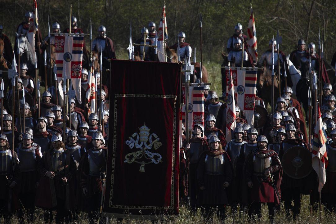 Die päpstlichen Truppen sind schlecht ausgebildet, zahlenmäßig den französischen Truppen weit unterlegen und haben in Juan Borgia auch keinen en... - Bildquelle: LB Television Productions Limited/Borgias Productions Inc./Borg Films kft/ An Ireland/Canada/Hungary Co-Production. All Rights Reserved.