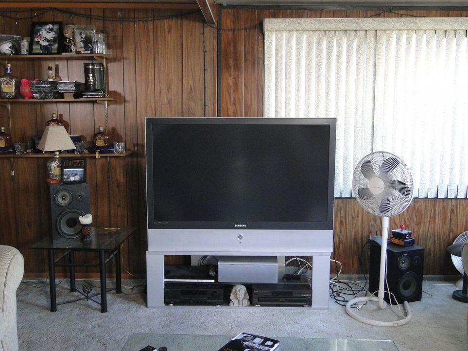 Aus diesem Raum soll ein Spielzimmer für Kerle entstehen. Wird Josh dies hinbekommen? - Bildquelle: 2009, DIY Network/Scripps Networks, LLC