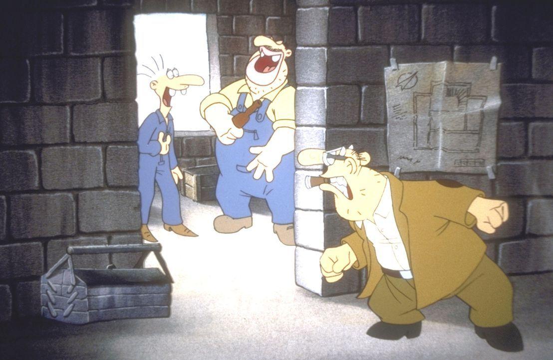 Die Kollegen Werner (l.) und Eckat (M.) amüsieren sich wieder einmal auf Kosten ihres Meisters (r.). - Bildquelle: Constantin Film