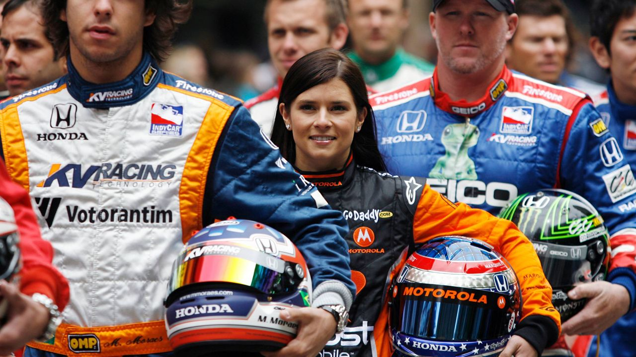 Danica Patrick: Die schnellste Frau der Welt hört auf - Bildquelle: imago sportfotodienst