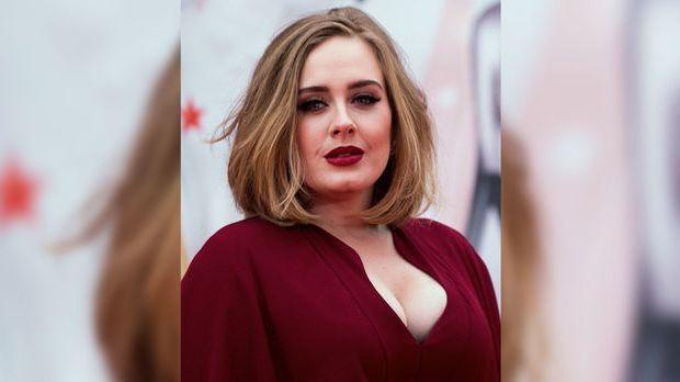 Adele auf Tour überrascht: Süßer Liebesbeweis von Freund Simon