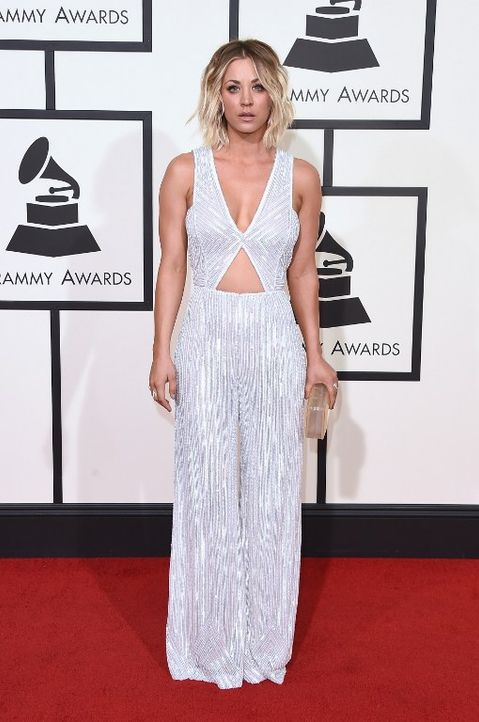 Grammys 2016: Kaley Cuoco - Bildquelle: Jason Merritt / GETTY IMAGES NORTH AMERICA / AFP