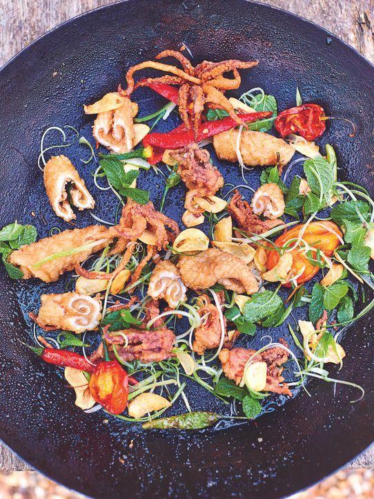 Jamie Oliver zaubert sein berüchtigtes Tintenfisch Gericht auf den Tisch ...