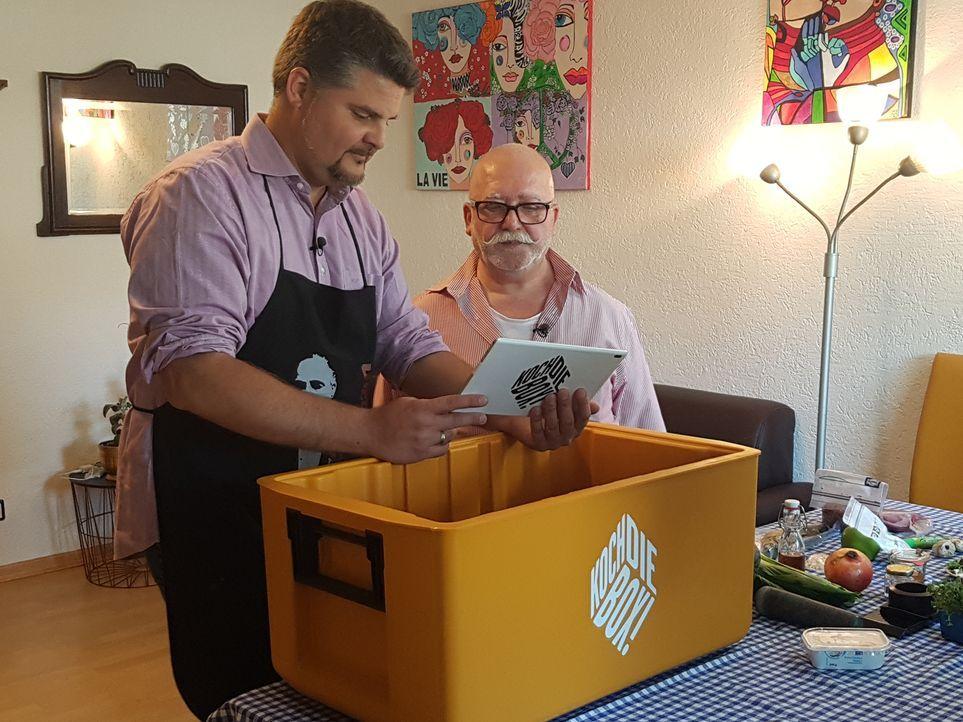 Leonardo und Angelo kochen eigentlich immer italienische Gerichte. Wie werden sie sich in der asiatischen Küche schlagen? - Bildquelle: kabel eins
