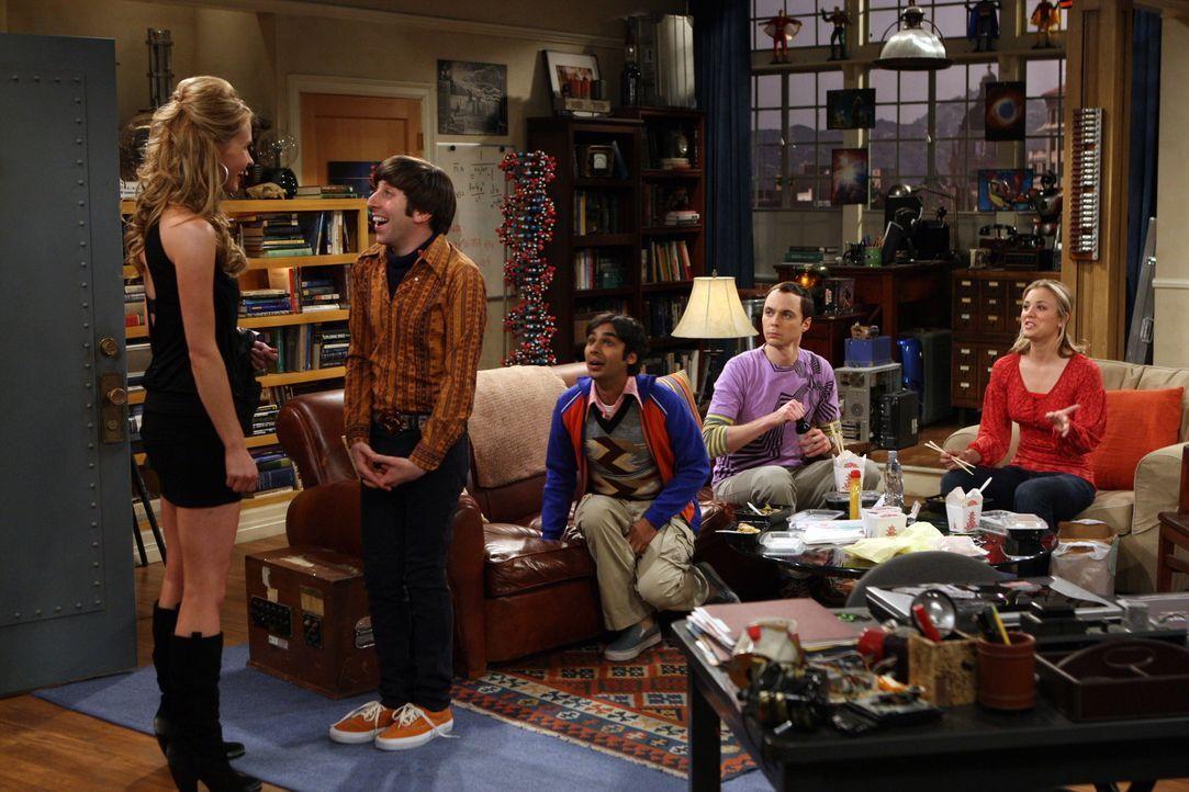 Penny (Kaley Cuoco, r.) hat eine Neuigkeit: Die ruhigen Mieter von oben ziehen und aus und Sheldon (Jim Parsons, 2.v.r.) fürchtet, dass Gott-weiß-... - Bildquelle: Warner Bros. Television