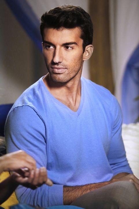 Während Jane beschließt, sich erst einmal nicht weiter mit Rafael (Justin Baldoni) zu treffen, arbeitet Petra daran, dessen Leben so schwer wie nur... - Bildquelle: 2014 The CW Network, LLC. All rights reserved.