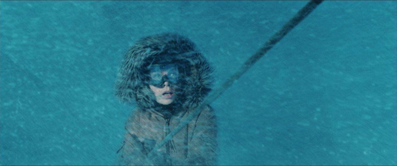 Nachdem sie vor zwei Jahren ihren Partner in Notwehr erschossen hat, lässt sich Carrie Stetko (Kate Beckinsale) auf eine internationale Forschungsst... - Bildquelle: Warner Bros.
