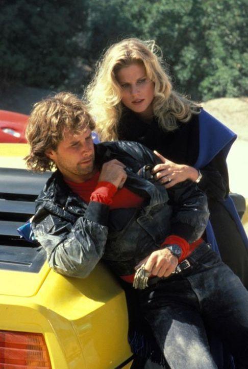 (4. Staffel) - Terrys (Laura Johnson, r.) Ehemann Joel McCarthy (Parker Stevenson, l.) wird von Chase als Transport-Vorarbeiter auf dem Weingut eing... - Bildquelle: 1984   Warner Brothers